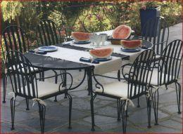 Tavoli E Sedie In Ferro Battuto Da Giardino.Tavoli E Sedie Per Esterni Terredelgentile