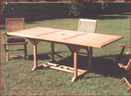 Tavoli sedie ombrelloni mobili da giardino for Obi tavoli giardino